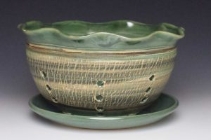 Green Crackle Berry Bowl Medium